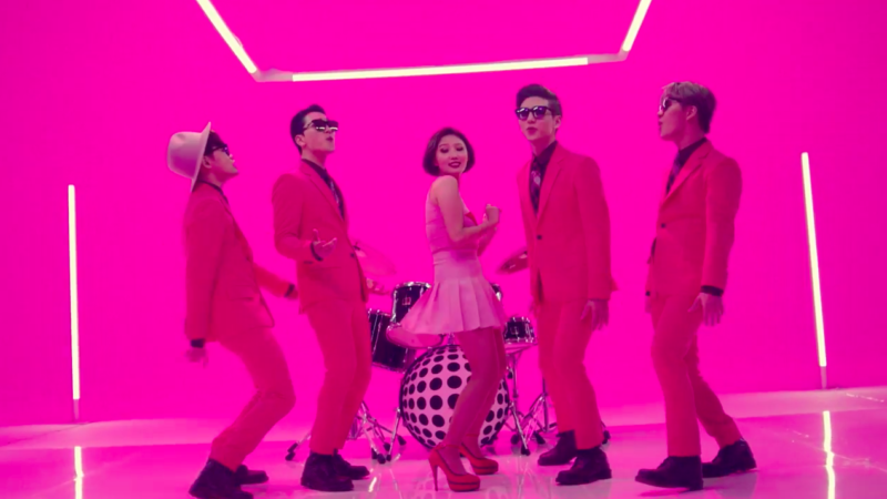 "Watch: MAMAMOO's Brother Organization VROMANCE Debuts With Fun ""She"" MV, Featuring Hwasa"