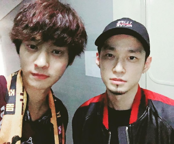 Doppelgangers Jung Joon Young and The Quiett Snap A Photo Together