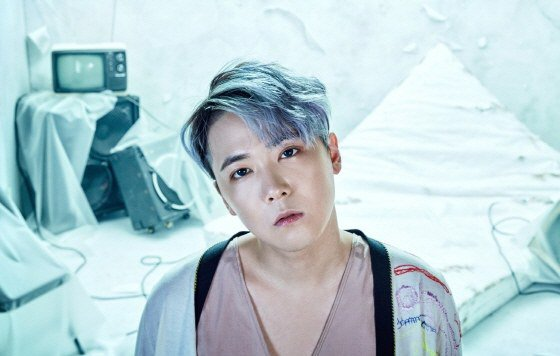 FTISLANDs Lee Hong Ki Talks About His Recent Some With A Non-Celebrity