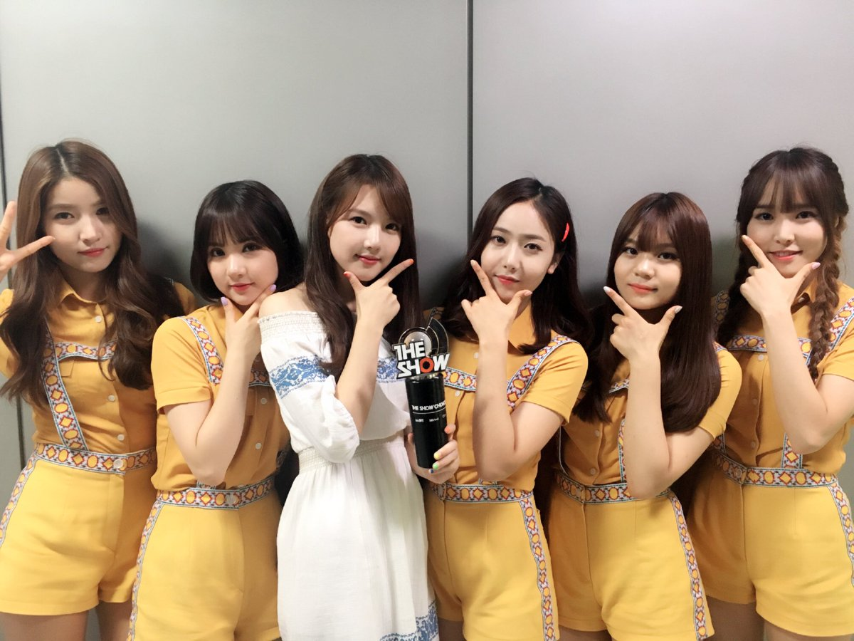 "GFRIEND Takes 1st Win For ""Navillera"" On ""The Show,"" Performances by Wonder Girls, Eric Nam, And More"