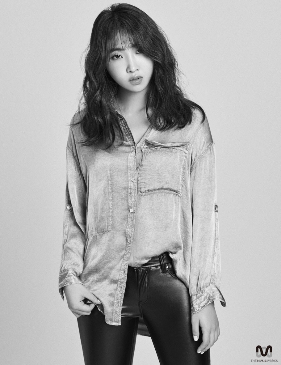 Minzy Launches Official Facebook Page, Shares New Profile Photos