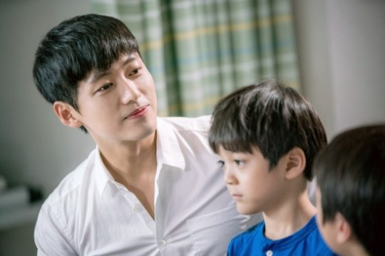 Namgoong Min Becomes A Doting Single Father For Doctors Cameo