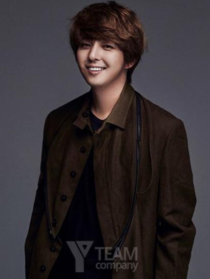 Kim Ki Bum Signs With New Agency Y Team Company
