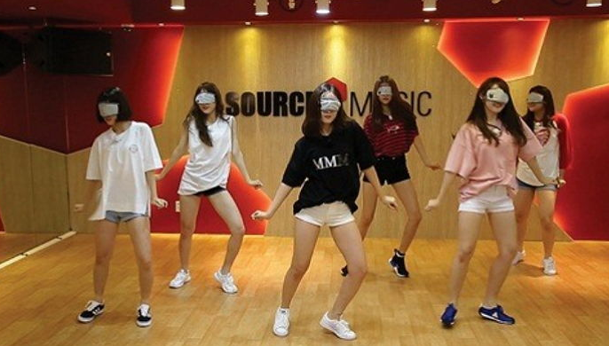 Watch: GFRIEND Demonstrates Sharp Choreography While Blindfolded