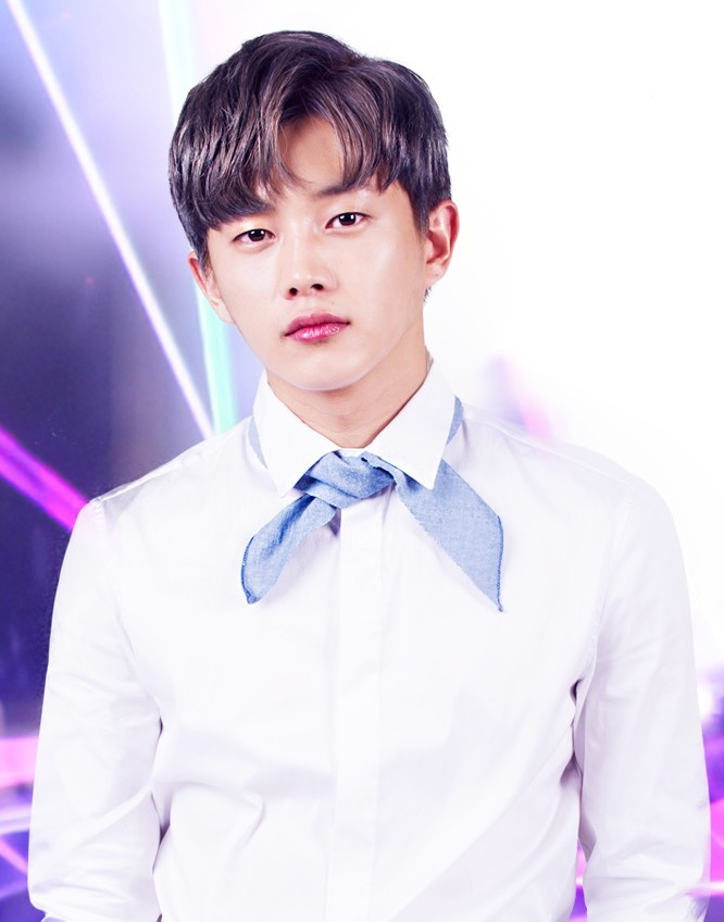 Kim Min Suk Responds To Praise For His MCing Skills
