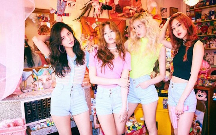 """BLACKPINK Stays On Top Of Weekly Domestic Charts For 3rd Week In A Row With """"Whistle"""""""