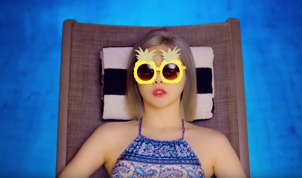 "Brave Girls Enjoy The Pool With ""Yoo-Hoo"" MV"