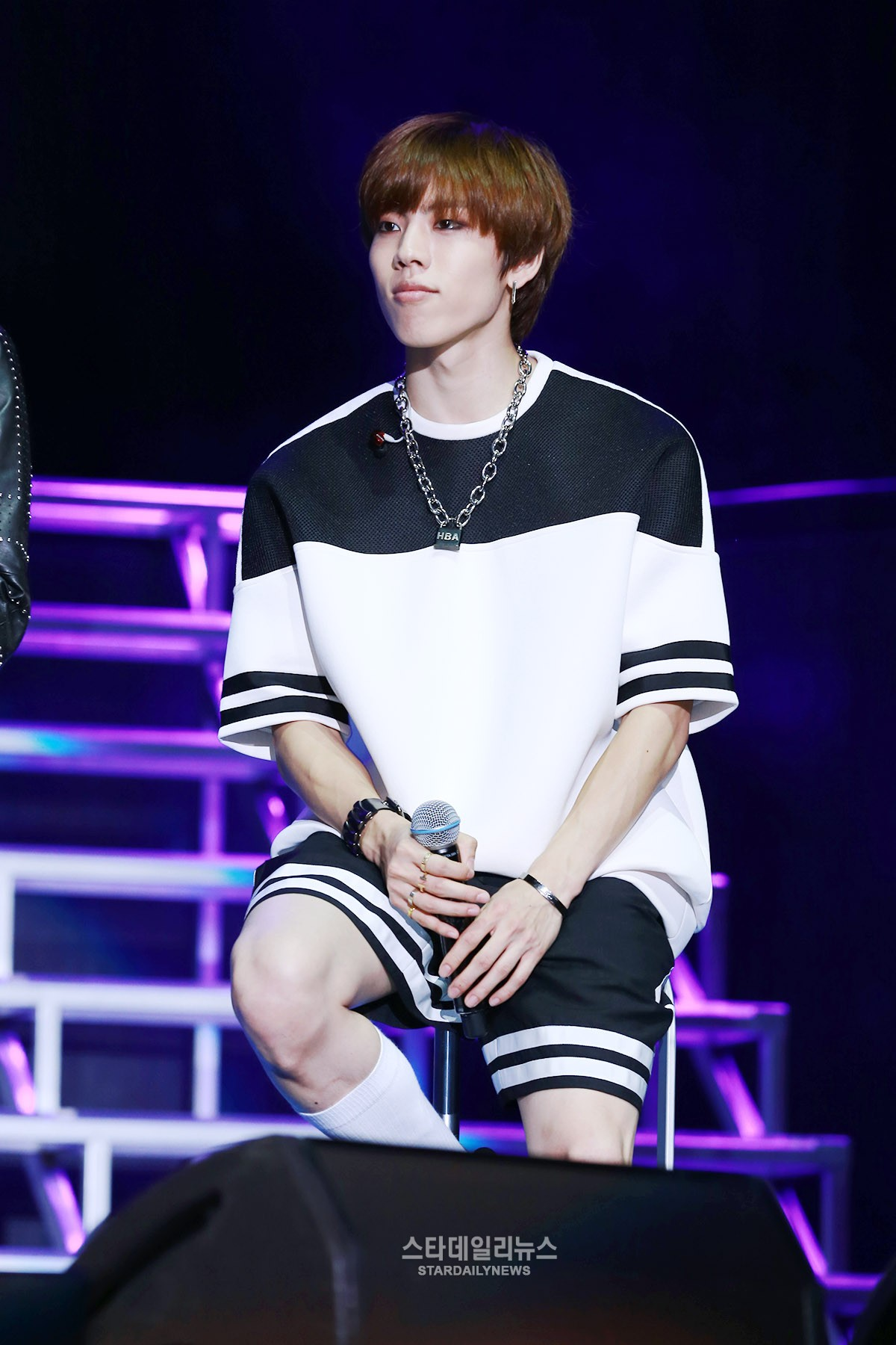 Dongwoo To Perform At INFINITE's Osaka Concert Following Loss Of Father