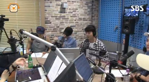 2PM Members Want Taecyeon To Only Wear Suits?
