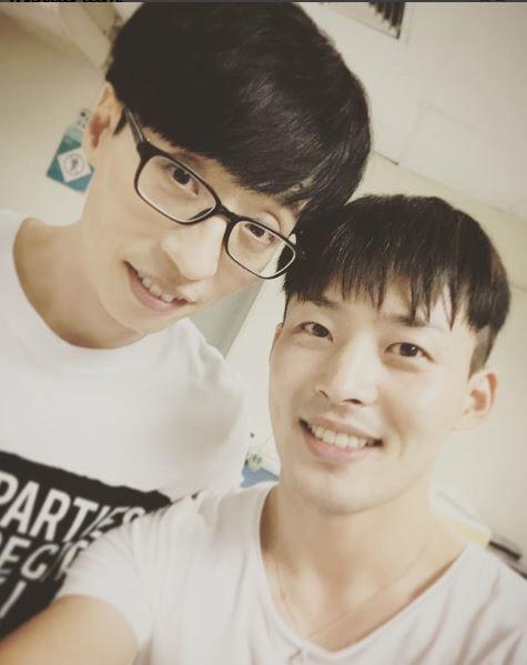 "SM Choreographer Mihawk Back Heaps Praise On Yoo Jae Suk For ""Dancing King"""