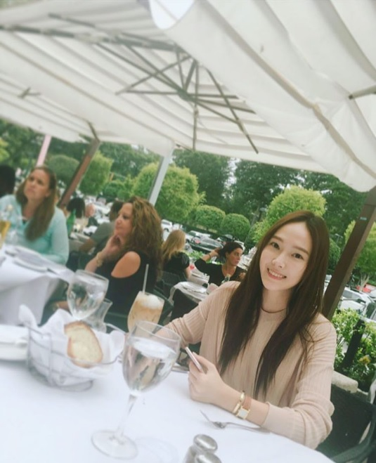 Jessica Responds To Fans Asking Her To Use English On Instagram