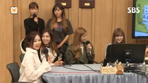 Apink Spills The Details On Hayoung's Obsessive Gaming Habits
