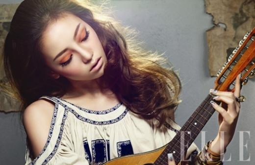 goo-hara-as-a-colorful-hippie-60s-muse_image