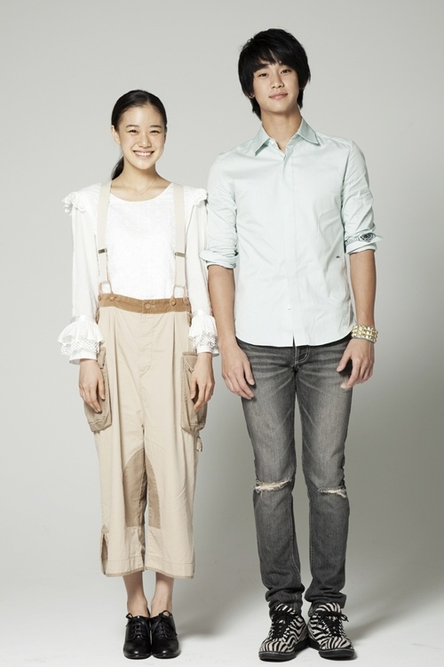 kim-soo-hyun-and-aoi-yuu-pair-up-for-madfory_image