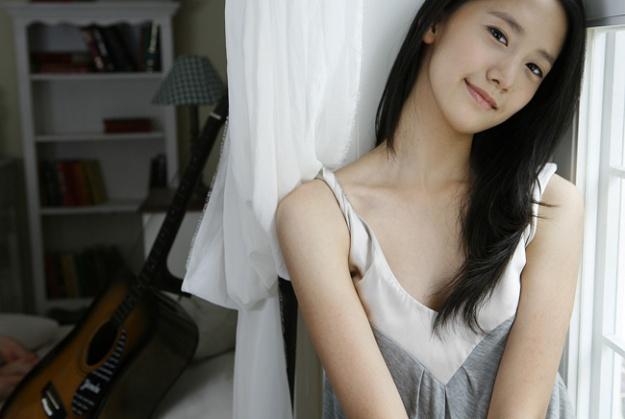 SNSD YoonA Pre Debut CF with Son Eun Suh
