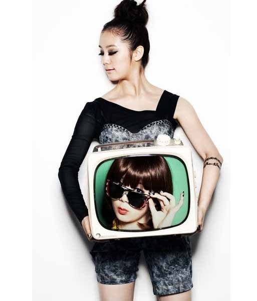 Wonder Girls' Hye Lim's Teaser Picture Is Photoshopped?