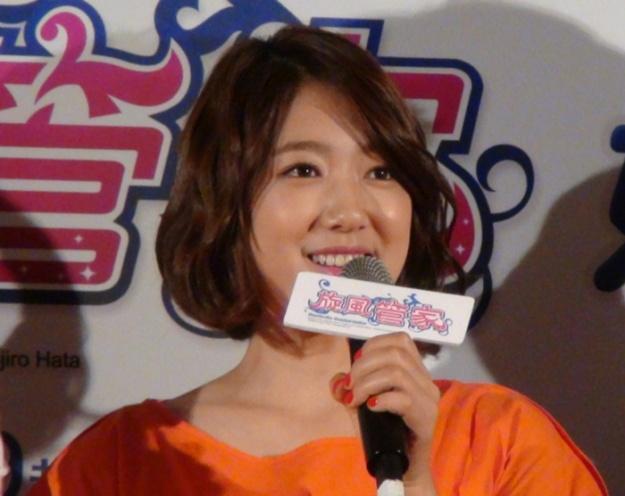 park-shin-hye-clarified-rumor-of-throwing-away-gifts-fans-gifts_image