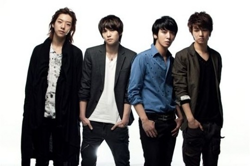 cn-blue-to-make-major-debut-in-japan-with-warner-music-japan_image