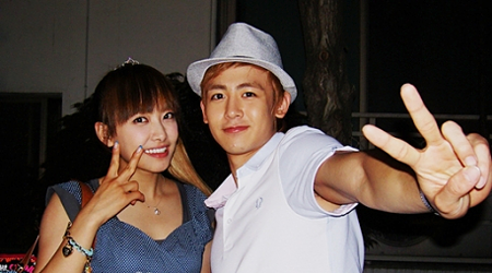 nichkhun-and-victoria-begin-married-life_image