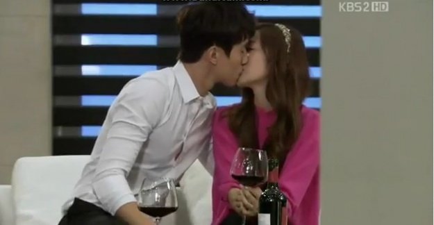 spoiler-wild-romance-airs-snsd-jessicas-wine-kiss-with-lee-dong-wook_image