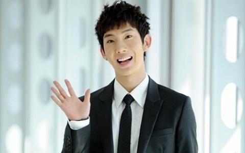 2ams-jo-kwon-responds-to-miss-as-suzys-closet-selca_image