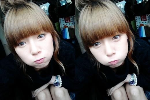 4minutes-hyuna-looking-like-a-cutie_image