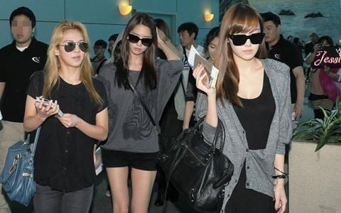 SNSD Returns to Korea After Taiwan Concerts