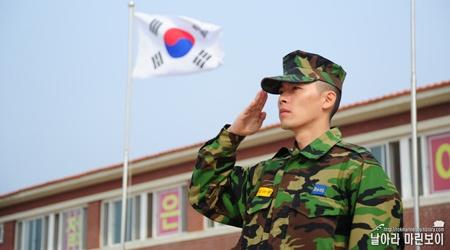 hyun-bin-enters-training-facility-and-swears-oath_image