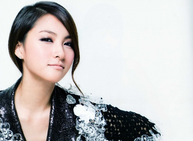 park-gyuri-as-a-paris-princess_image