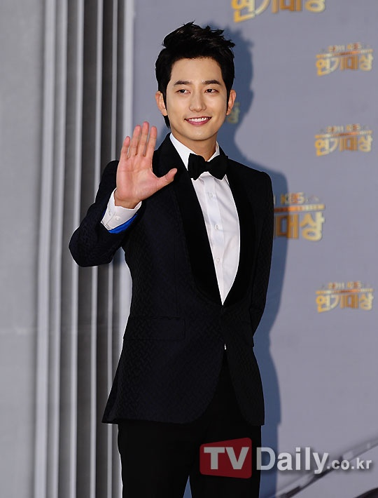 Park Shi Hoo to Hold Japanese Fan Meetings