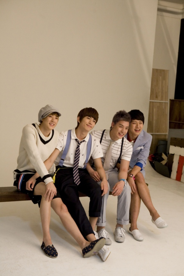 ukiss-poses-for-elle_image