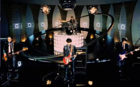 "CNBlue Performs ""Still In Love"" & ""Hey You"" for Music Core Comeback"