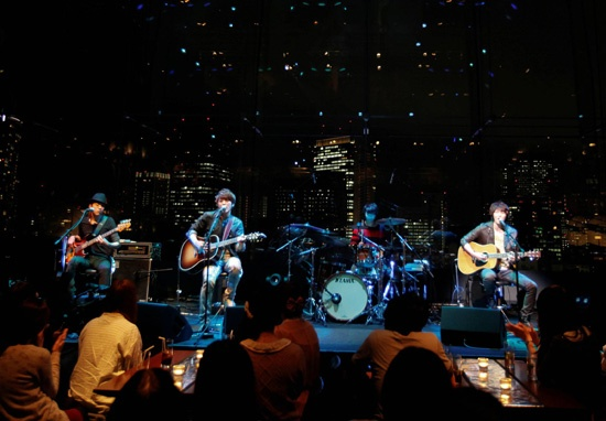CN Blue's Impressive Performance as First Korean Artist to Perform on Japan's MTV Unplugged
