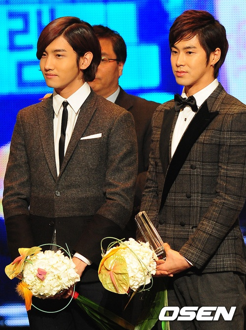 dbsk-will-broadcast-their-performance-for-free-to-the-victims-of-the-japanese-tsunami_image