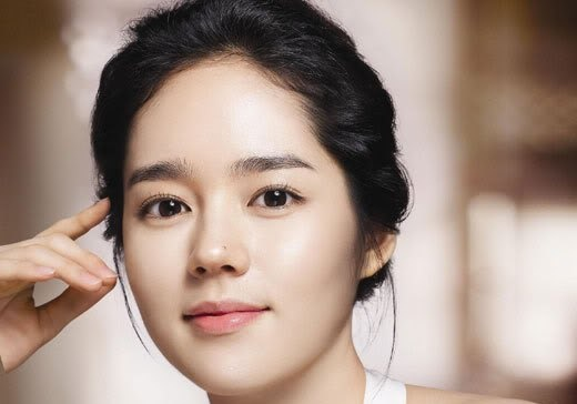 "Actress Han Ga In: ""I Like My Eyes The Best"""