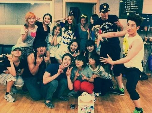 jyp-nation-held-surprise-birthday-party-for-wonder-girls-sun-ye_image
