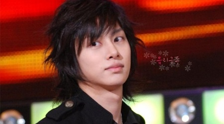 kim-heechul-i-dressed-up-as-a-female-to-go-on-a-date-with-my-celebrity-girlfriend_image