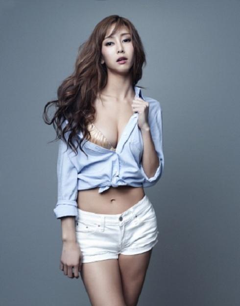 gna-chosen-as-model-for-fashion-lingerie-lefee_image