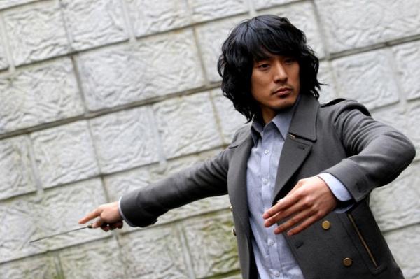 a-serious-man-for-a-serious-job-shin-hagyun-1_image