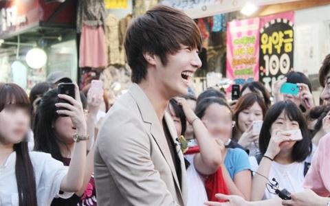 jung-il-woos-guerilla-date-causes-a-stir_image