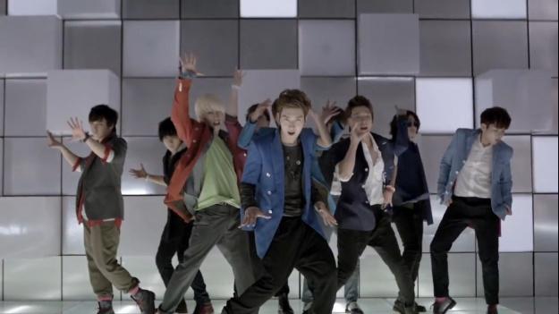 super-juniors-mr-simple-music-video-reaches-the-2-million-views-mark_image