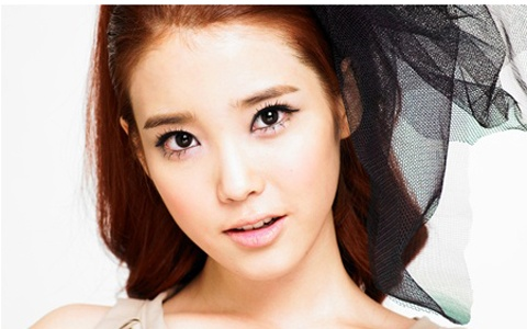 nations-younger-sister-iu-crowned-as-nations-goddess_image