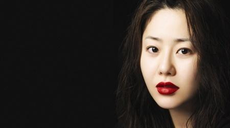 skin-goddess-go-hyun-jung-reveals-beauty-secrets_image