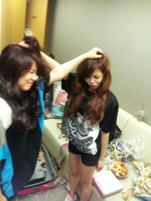 4minute's HyunA and So Hyun in a Cat Fight?