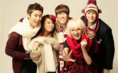 Soompi's 2011 K-Pop Christmas Playlist