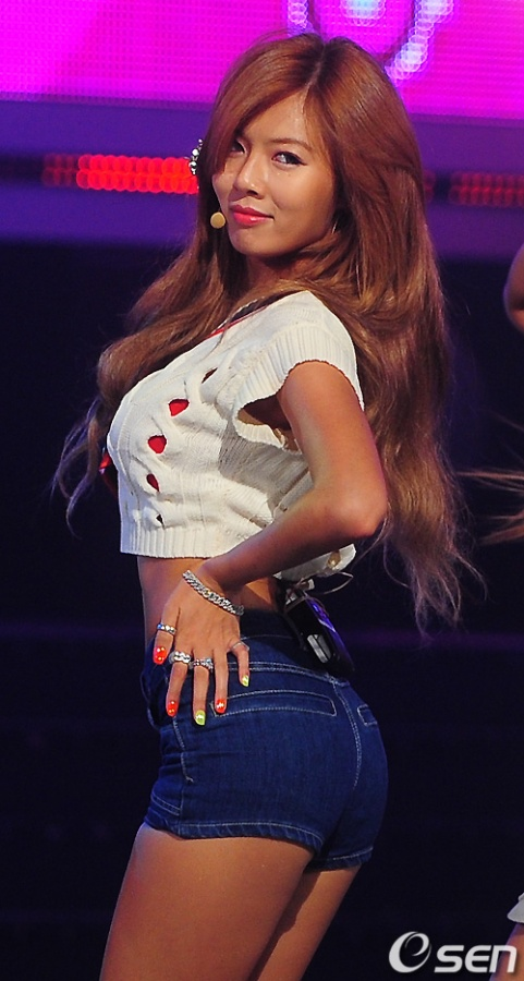 hyuna-shuns-sexy-image-shows-off-cute-side_image