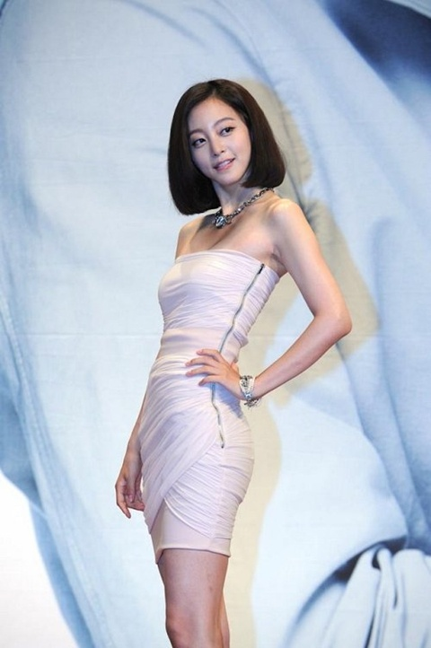 han-ye-seul-speaks-out-for-first-time-since-leaving-korea-implies-end-of-career_image