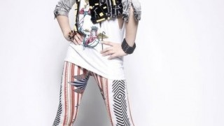 2ne1-gong-minzy-shows-her-artsy-side-with-vintage-camera-app_image