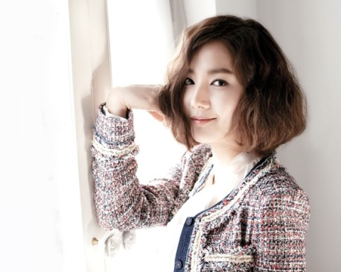 Park Min Young Transforms into a Lovely Lady of Spring for Clothing Brand COMPAGNA