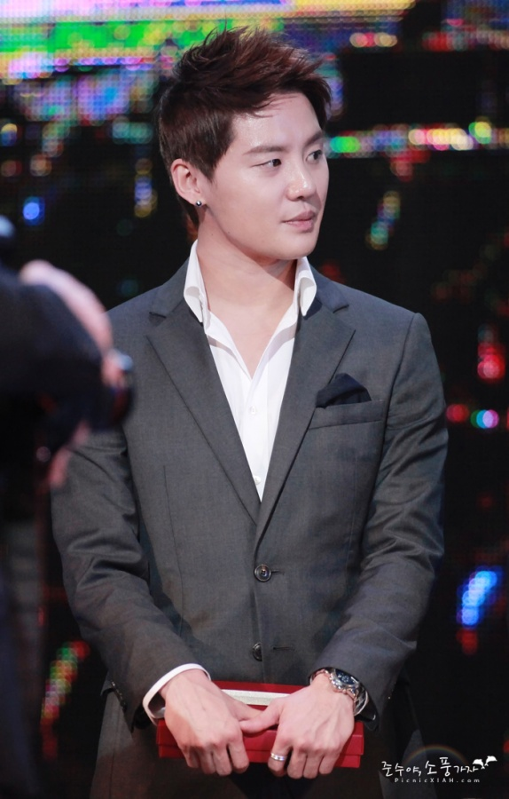 jyj-junsu-to-sing-ost-and-cameo-in-upcoming-sbs-drama-scent-of-a-woman_image
